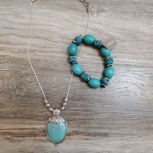 Turquoise pendant necklace and bracelet